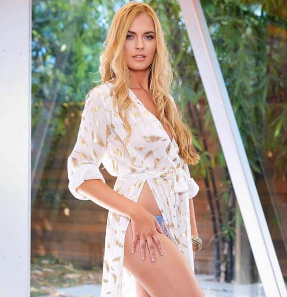 Sexy Bailey Rayne